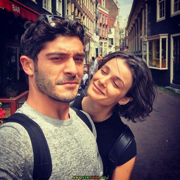 أحدث و أجدد صورة الفنان التركي بوراك دينيز مع حبيبته بشرى