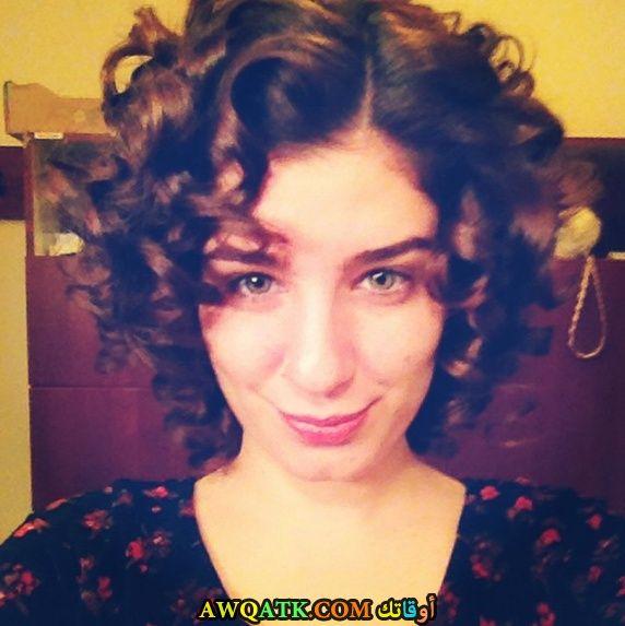 سيلفي الفنانة التركية سانام يليس جميلة جدا
