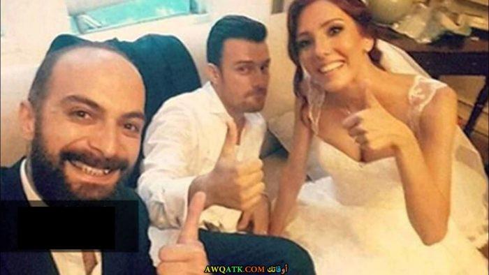 صورة للفنان التركي صالح بادمجي و زوجته - صورة عائلية للفنان التركي صالح بادمجي مع زوجته