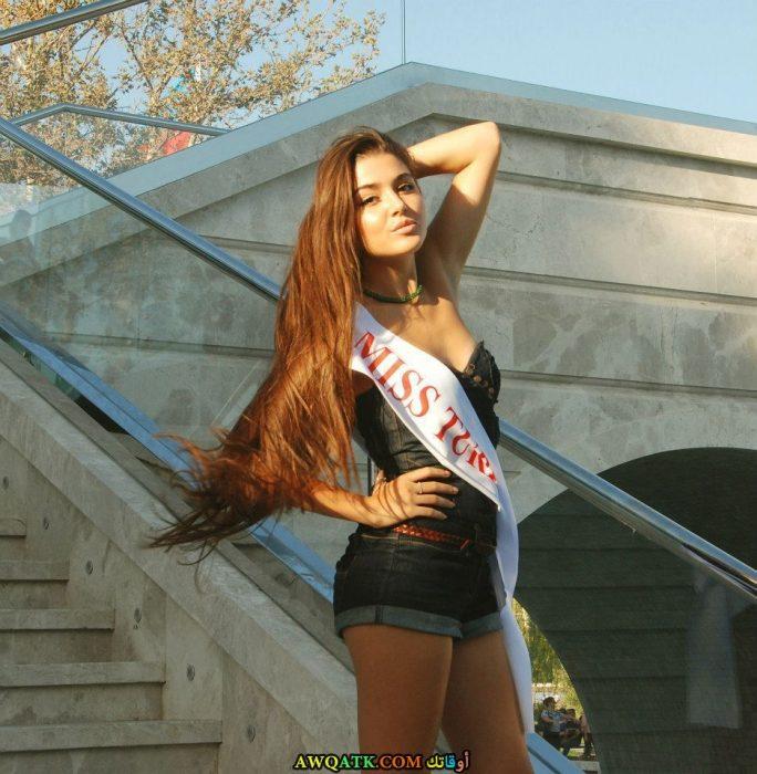 أجمل صورة للمثلة التركية هاندا أرشال حفلة ملكة جمال تركيا