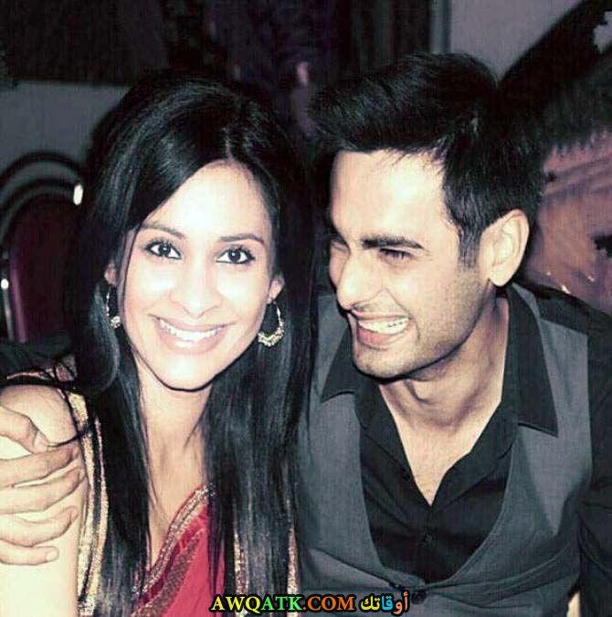 صورة الفنان الهندي فارون كابور و زوجته