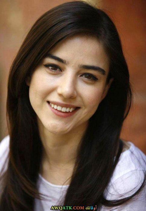 أحلى وأجمل وأحدث صورة للفنانة التركية الجميلة أوزجي جوريل