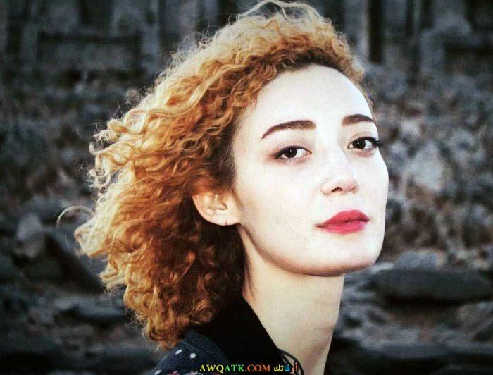 بوستر الفنانة التركية اوزليم اوتشالماز