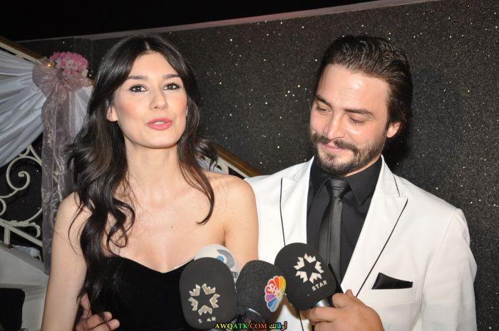 صورة الفنانة التركية بورجو كيراتلي وزوجها