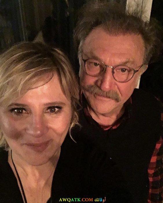 صورة الممثل تامر لافانت مع كاتبة مسلسل الشجاع والجميلة