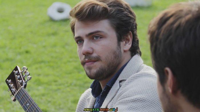 أحدث صور للممثل التركي الجميل تولغا ساريتاش