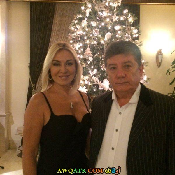 صورة الفنانة التركية جولناي كالكان وزوجها