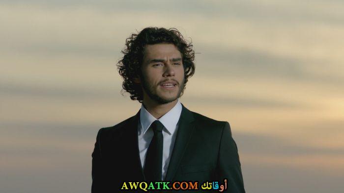 صورة جديدة للنجم التركي جيم بيلفي