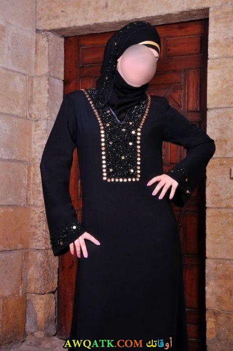 عباءة حريمي خليجية مطرزة على الصدر و الكم