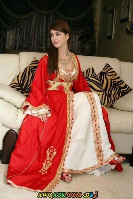 عباية حمراء بالقفطان تناسب الأعراس