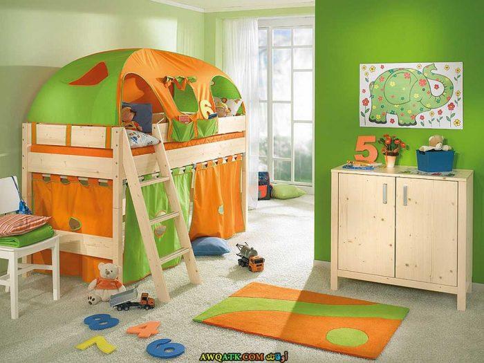 غرفة نوم جميلة جداً باللون الأخضر