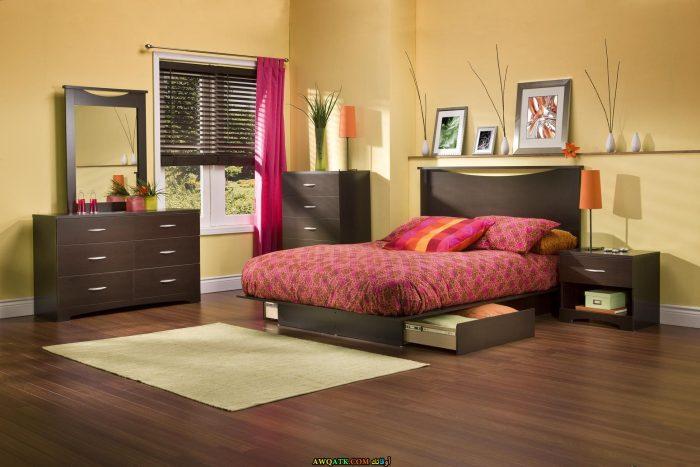 غرفة نوم مودرن باللون البني