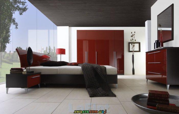 غرفة نوم حمراء رائعة جداً