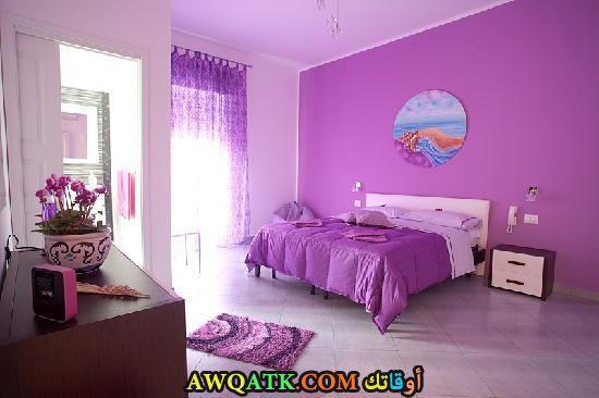 غرف نوم باللون الموف والبيج Electrotechniekbouman