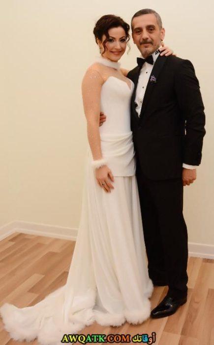 صورة ورائعة للنجمة التركية يونكا شاهينباش وزوجها من حفل زفافها