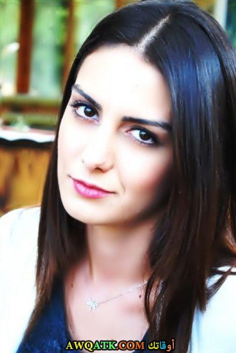 أحدث صورة للفنانة التركية أوزليم يلماز