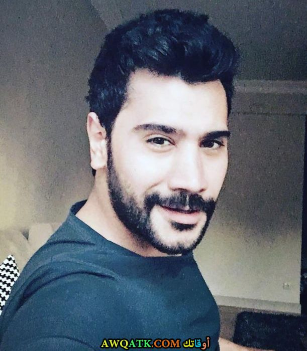 صورة جديدة للنجم التركي اوغور جونيش