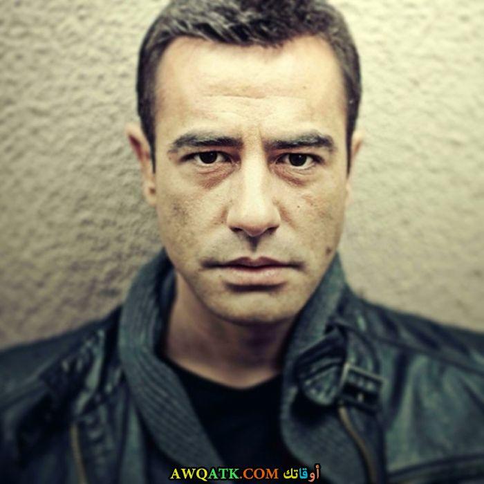 بوستر الفنان التركي تايانش أيايدين