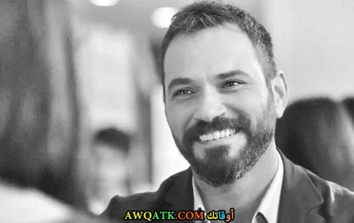 بوستر الفنان التركي سردار أوزير
