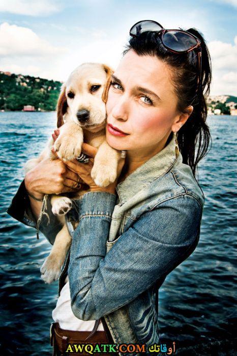 شيفال سام وكلبها