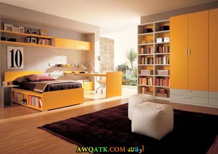 غرفة نوم ثري دي روعة باللون البرتقالي