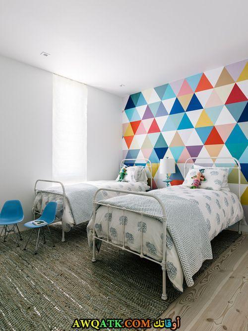 غرفة نوم بيضاء رائعة وجميلة