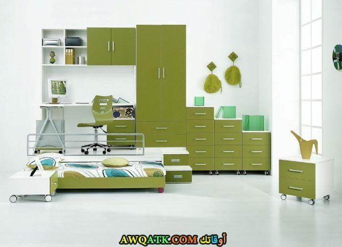 غرفة نوم شيك ورائعة باللون الأخضر