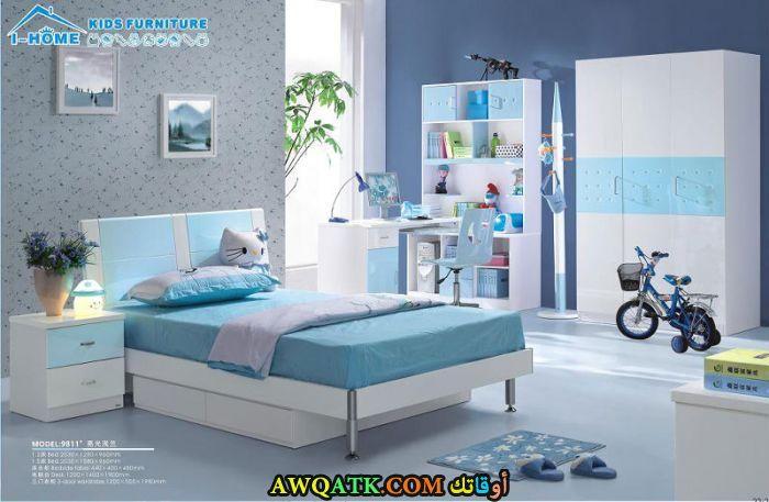 غرفة نوم باللون اللبني روعة
