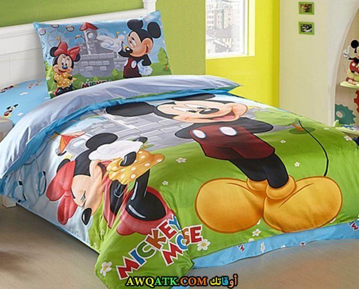 غرفة نوم خضراء علي شكل ميكي ماوس