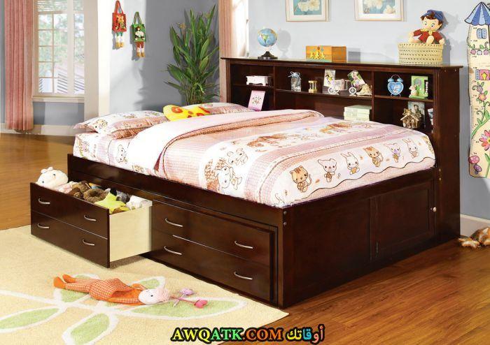 غرفة نوم بنية رائعة