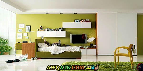 غرفة نوم باللون الأخضر جميلة