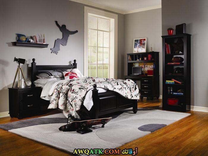 غرفة نوم جميلة باللون الأسود