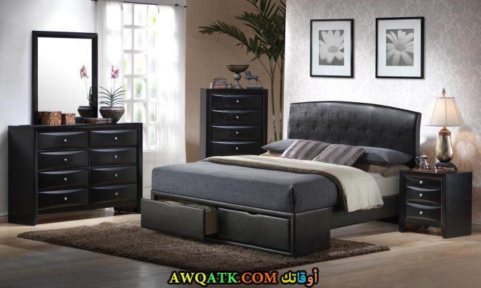 غرفة نوم عملية سوداء