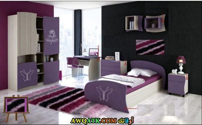 غرفة نوم باللون الموف جميلة جداً