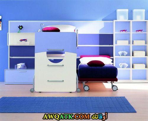 غرفة نوم أطفال باللون الأزرق