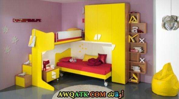 غرفة نوم جميلة جداً باللون الأصفر