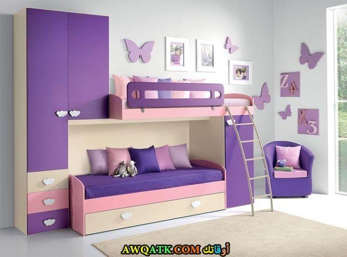 غرفة نوم أطفال باللون الموف