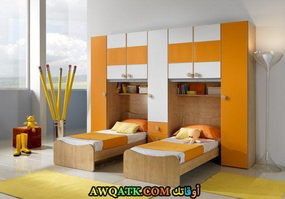غرفة نوم باللون البرتقالي جميلة جداً
