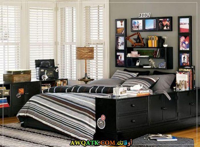 غرفة نوم باللون الأسود شيك جداً