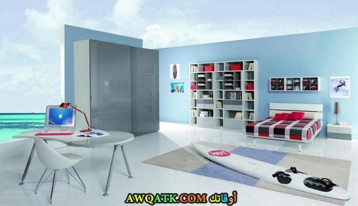 غرفة نوم روعة باللون اللبني