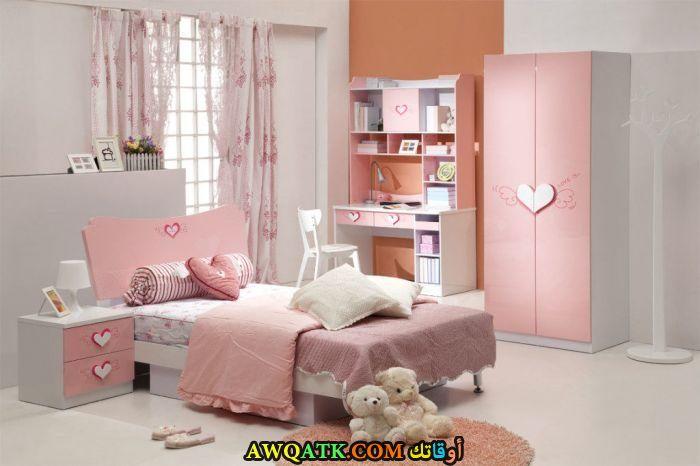 غرفة نوم باللون البينك جميلة