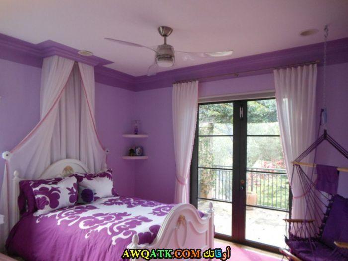 غرفة نوم أيكيا باللون الموف