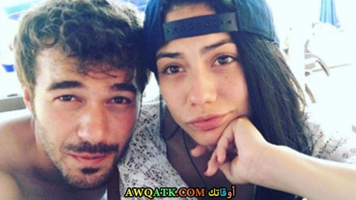 صورة الفنان التركي يوسف جيم و حبيبته