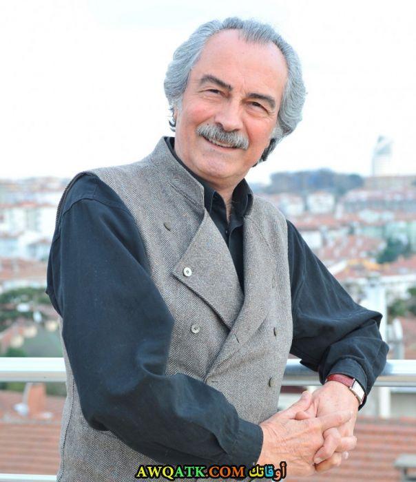 بوستر الفنان التركي آيتاش أرمان