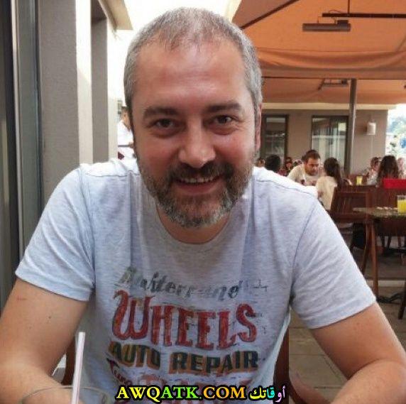 أحدث صورة للفنان التركي اردال بيلنجين