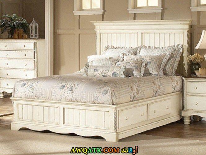 غرفة نوم روعة باللون الأبيض