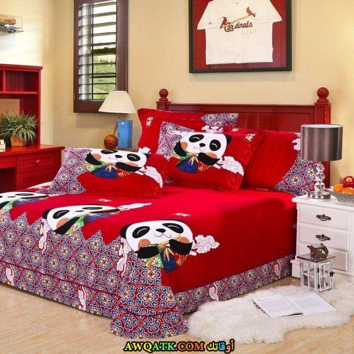غرفة نوم باللون الأحمر شيك جداً