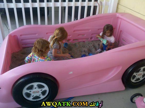 غرفة نوم أطفال علي شكل سيارة