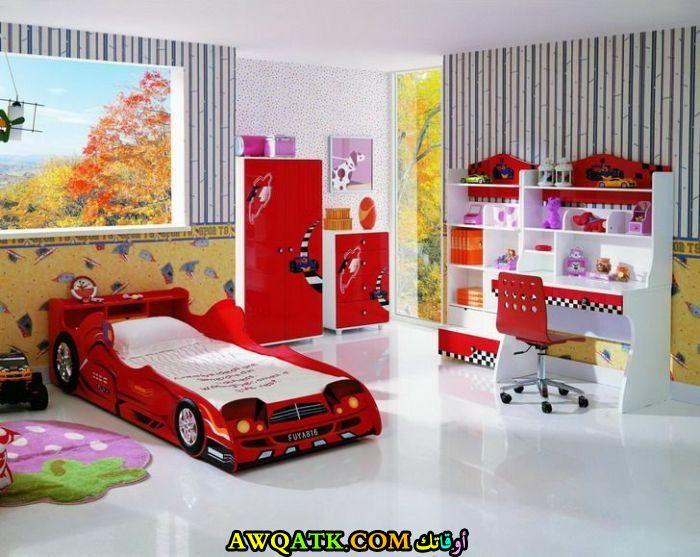 غرفة نوم عي شكل سيارة