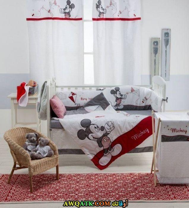 غرفة نوم جميلة جداً بيضاء